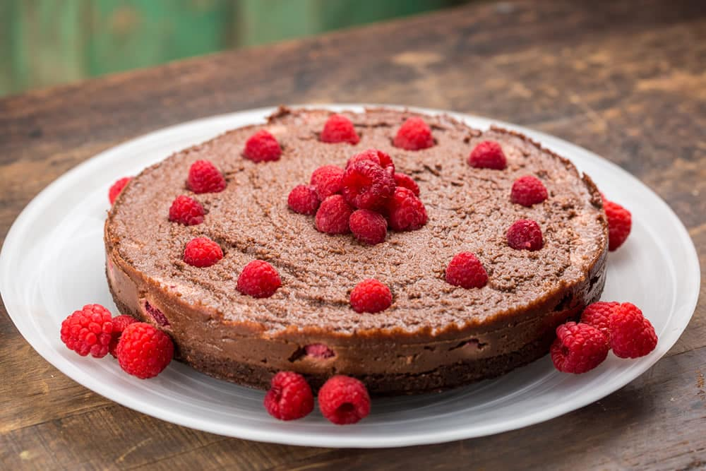 chocolate and raspberry cake that is raw, vegan, gluten free and dairy free